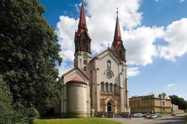 Zrušené adventní koncerty Jiřího Chluma ve filipovské bazilice